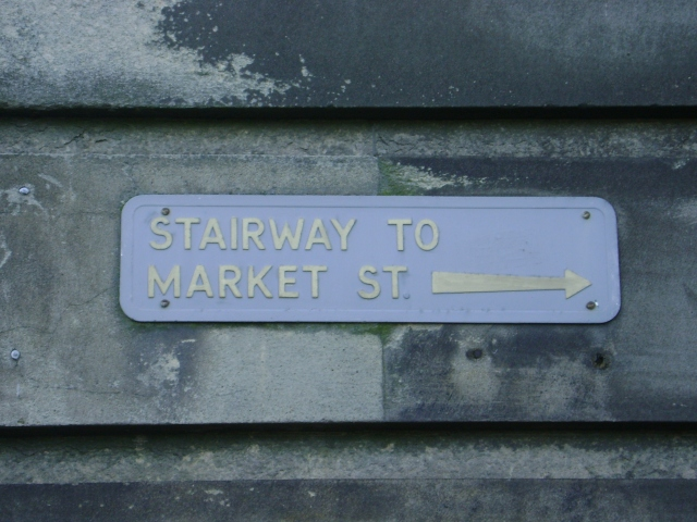 An actual Edinburgh street sign